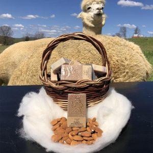 Saponetta artigianale alla cheratina di fibra di alpaca e mandorle
